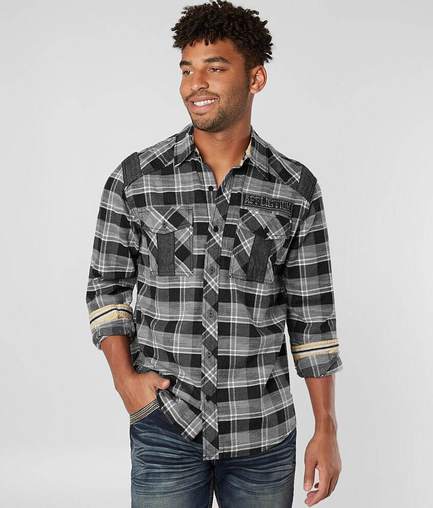 Style 110WV711/Sku 427565 Embroidered button front plaid shirt Contrast trim Model Info: Height: 6\\\'0\\\