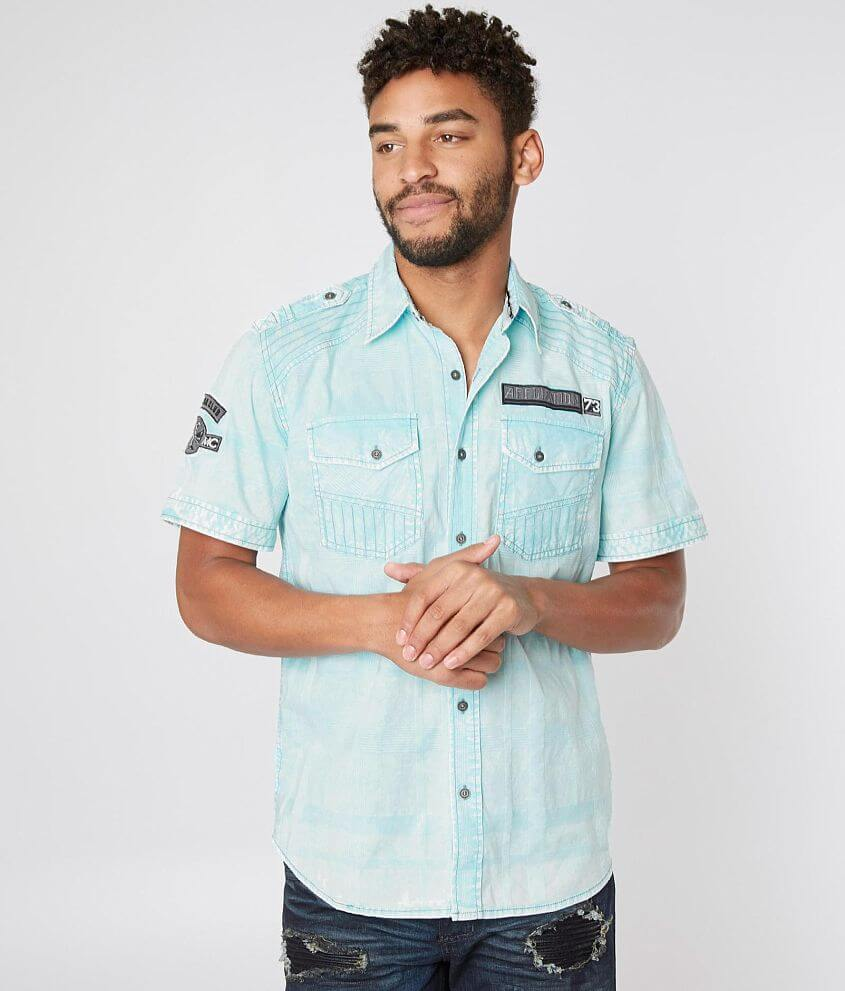 Style 110WV753/Sku 426314 Washed tonal plaid button front shirt Shoulder tab, epaulet and embroidered patch details Model Info: Height: 6\\\'0\\\