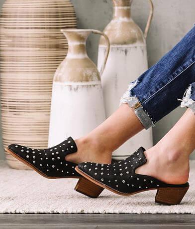 ARider Cara Studded Mule Shoe