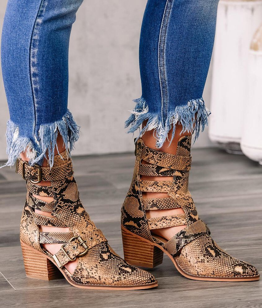 ARider Robin Cut-Out Ankle Boot front view