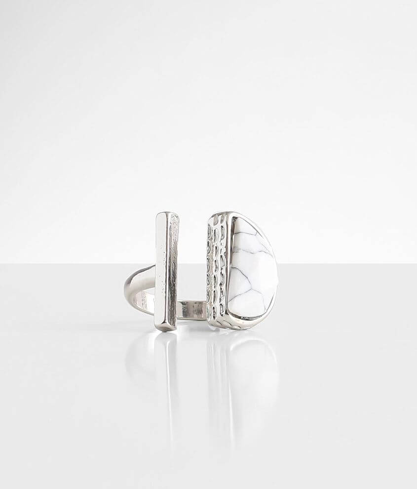 BKE Howlite Ring front view