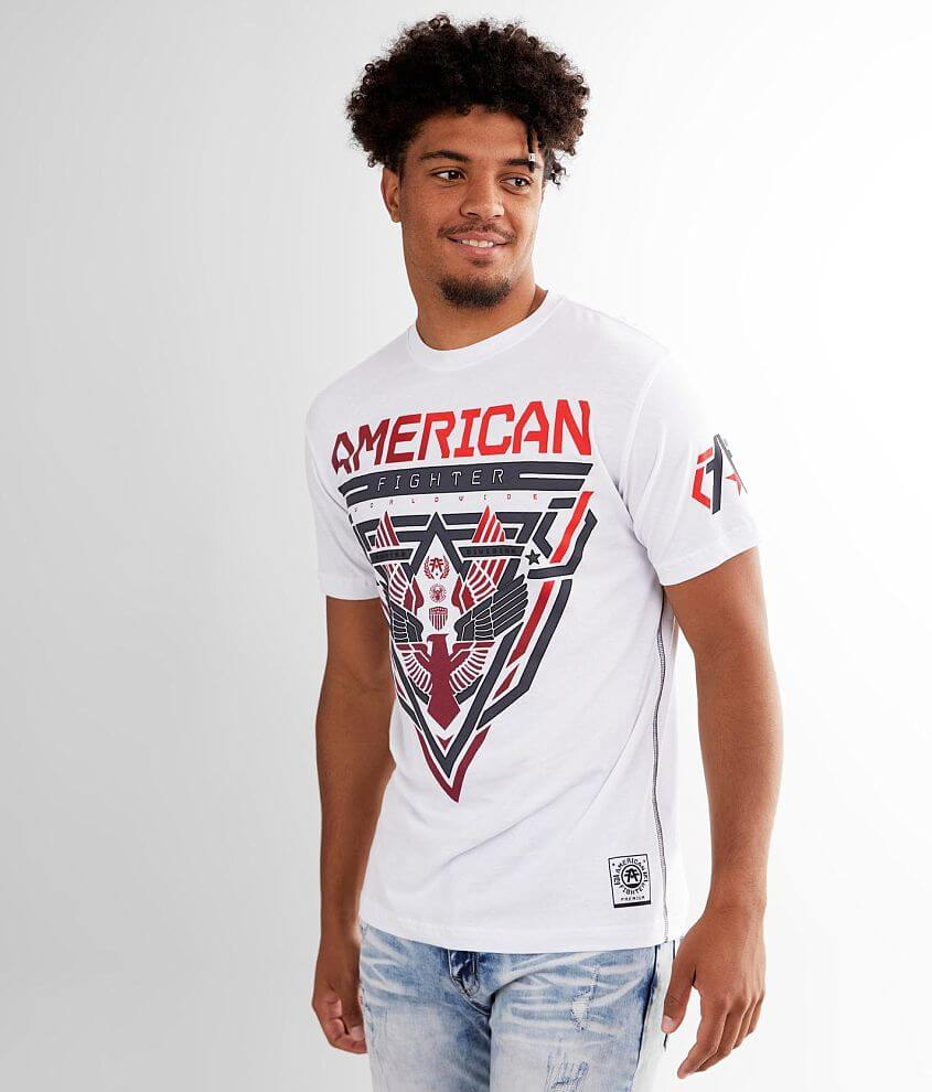 Graphic t-shirt Sleeve hit Contrast stitch details Model Info: Height: 6\\\'4 1/2\\\