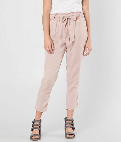 Sneak Peek Woven Cropped Pant