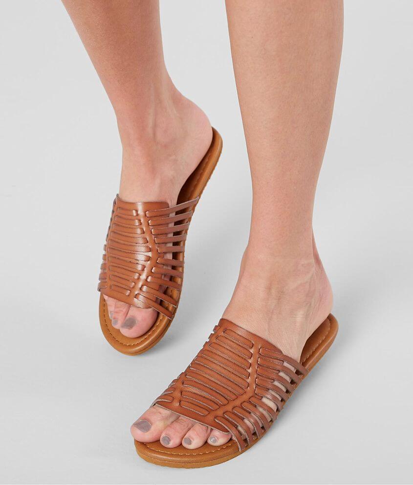 452b7e987 Billabong Tread Lightly Sandal - Women s Shoes in Desert Brown