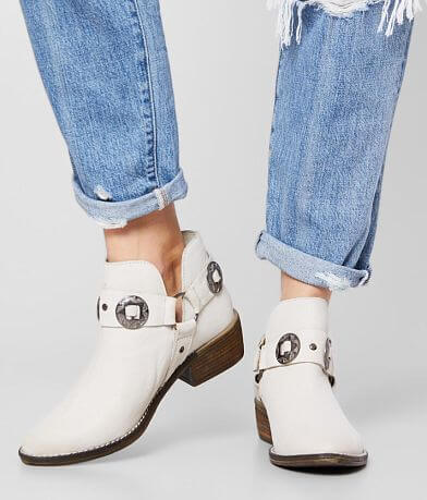 Chinese Laundry Austin Leather Ankle Boot