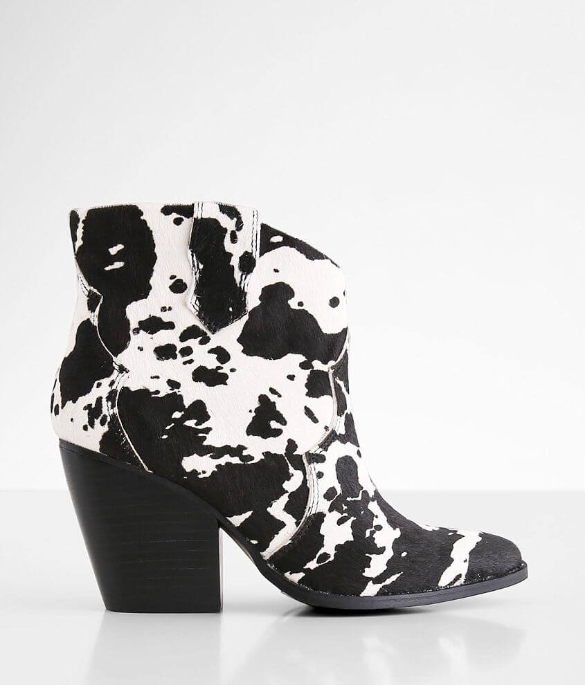 Chinese Laundry Bonnie Leather Ankle Boot front view