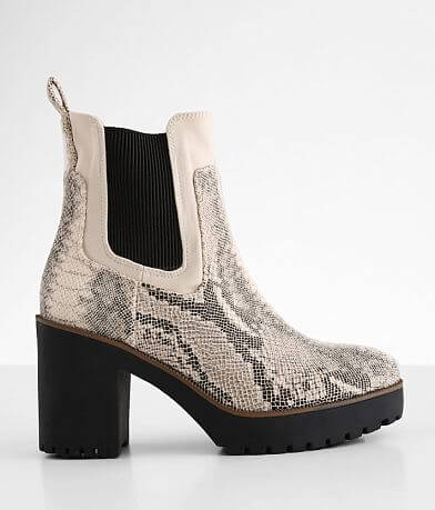 Chinese Laundry Good Day Chelsea Lug Boot