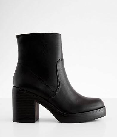 Dirty Laundry Groovy Ankle Boot