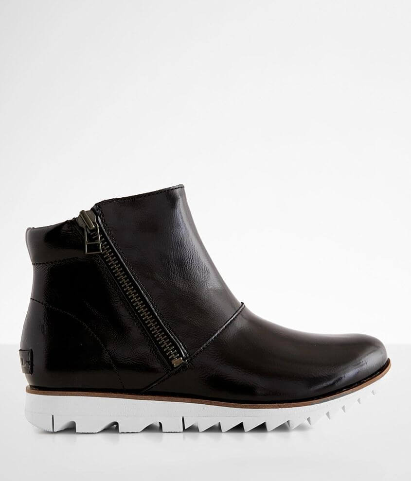 Sorel Harlow™ Chelsea Leather Boot front view