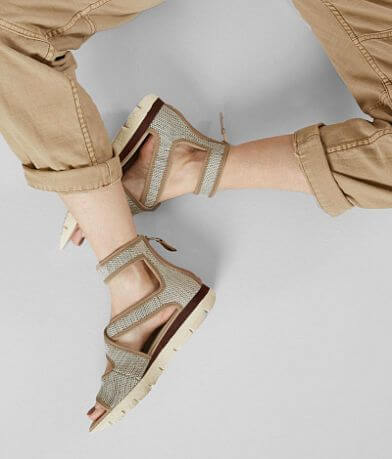 OTBT Circuit Leather Sandal