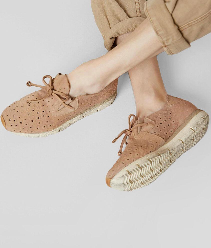 Style LUNAR/Sku 947435 Suede perforated slip-on sneaker Tie detail 1 1/2\\\