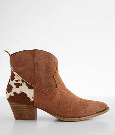 Dingo Buck The Rules Suede Western Ankle Boot