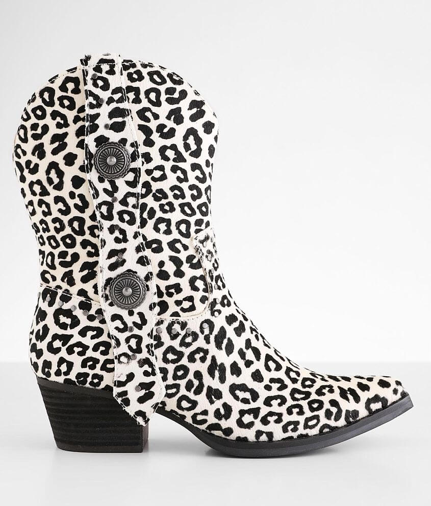 Dingo True West Leather Western Ankle Boot front view