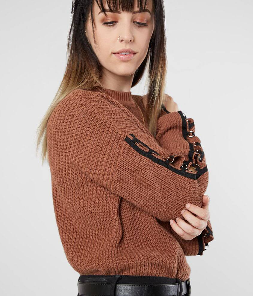 Style GID18106/Sku 603217 Open weave crew neck sweater Grommet and taping details Bust measures 42\\\