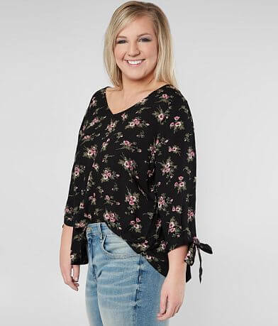 2aae0a1be8711 Daytrip Floral V-Neck Top - Plus Size Only