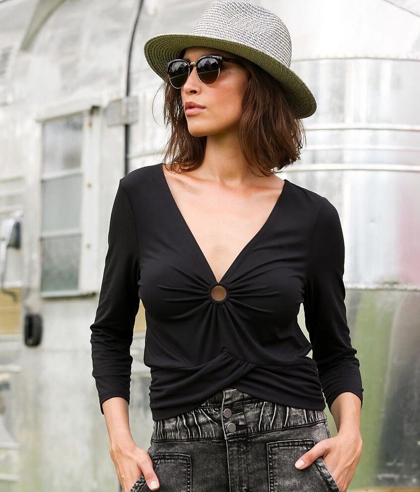 Willow & Root Deep V-Neck O-Ring Top front view