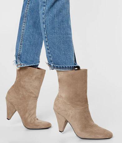 3816f18b7929ec Dolce Vita Beat Ankle Boot