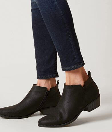 Solely Black by BKE Ankle Boot