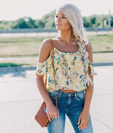 En Crème Cold Shoulder Cropped Top
