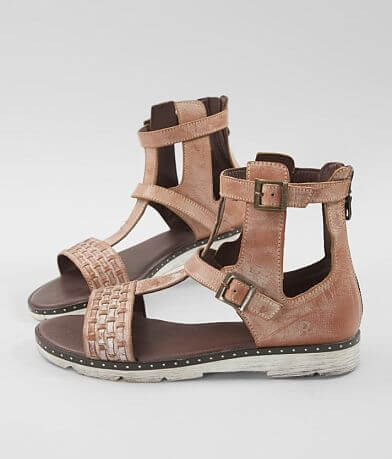 e0803e179429 Roan Lyssa Leather Sandal