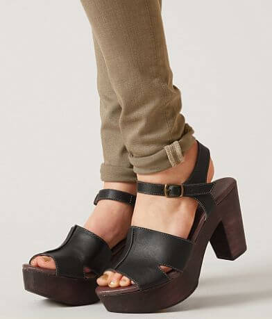 Roan Mara Leather Shoe