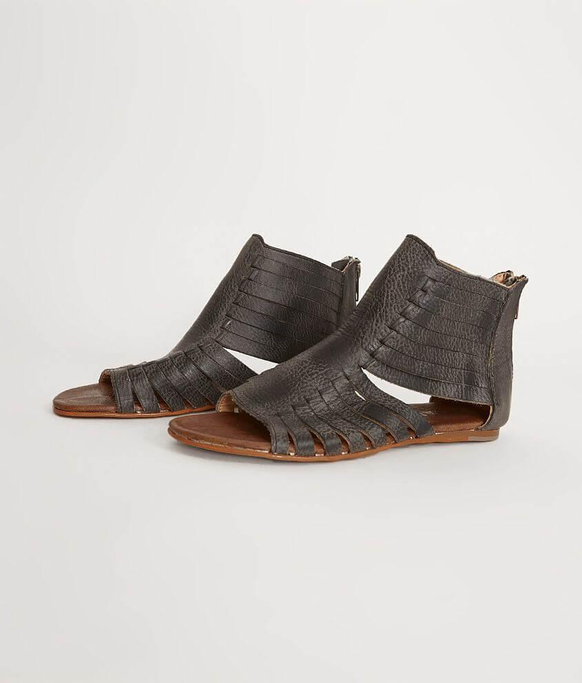 d03f7e0f0e48 Roan Pearl Sandal - Women s Shoes in Black Greenland