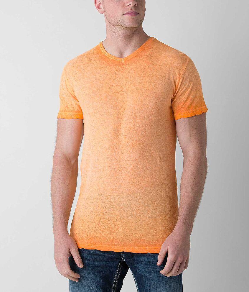 Style DWK005/Skus 414436, 414437 Linen blend v-neck t-shirt Model Info: Height: 6\\\'0\\\