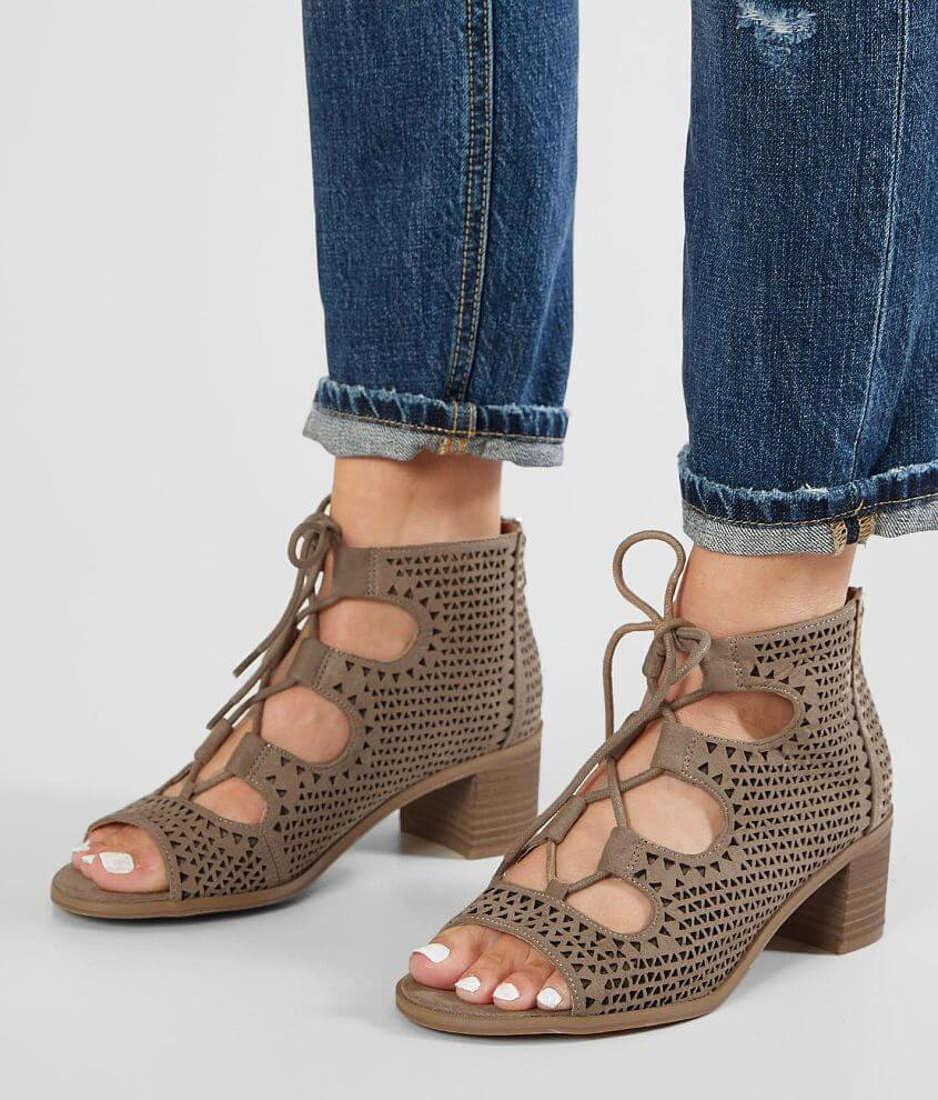 BKE Kinni Lace-Up Heeled Sandal front view
