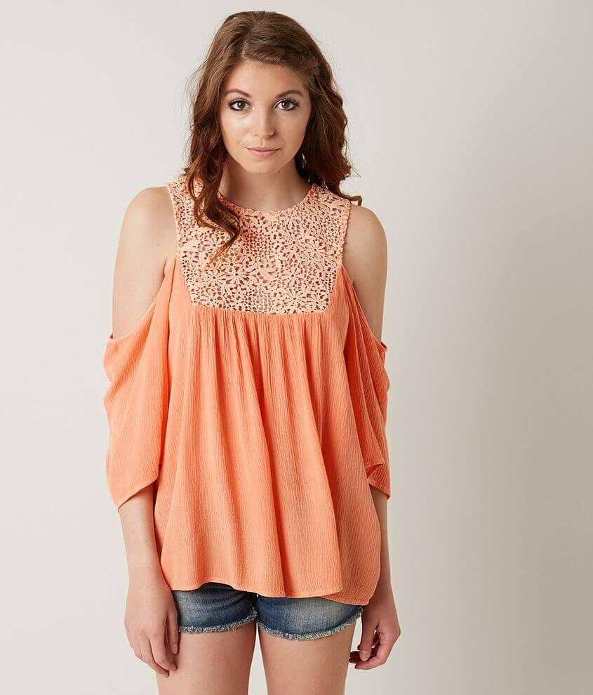 Style GMKR16063/Sku 518642 Washed cold shoulder top Crochet inset Back button details Body length 26\\\