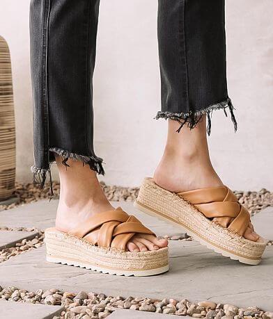 Oasis Society Rebel Espadrille Puffer Sandal