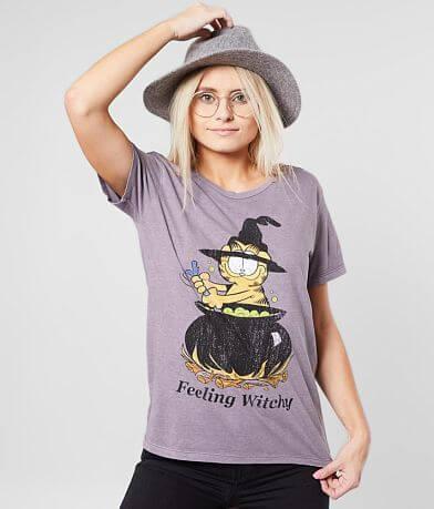 Desert Dreamer Garfield™ Witchy T-Shirt