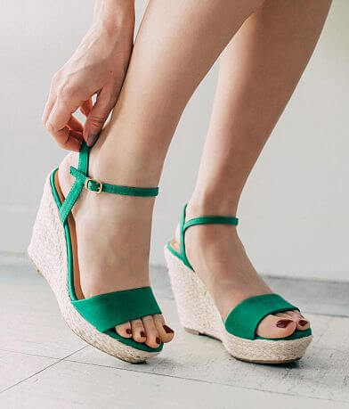 My Delicious Shoes Freesia Wedge Sandal