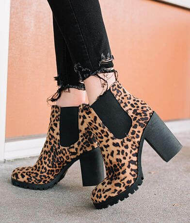Soda Gloves Leopard Print Chelsea Ankle Boot