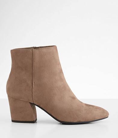 Soda Humid Ankle Boot