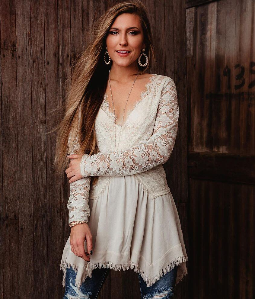 Gimmicks Floral Eyelash Lace Tunic Blouse front view