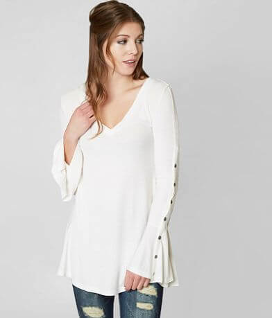 Gimmicks Ribbed V-Neck Top