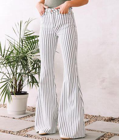 Judy Blue® Ultra High Rise Super Flare Jean