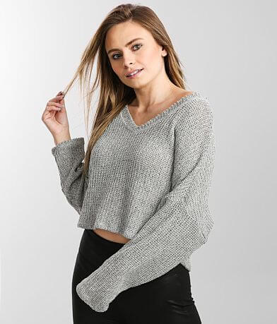 LE LIS Open Weave Cropped Slouchy V-Neck Top