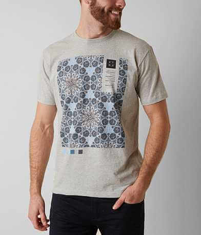 Lira Pantone T-Shirt