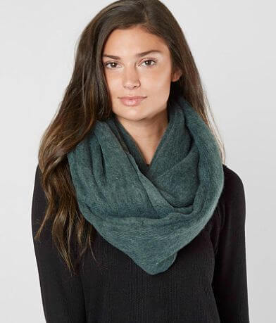 MADISON 88 Plush Raschel Scarf