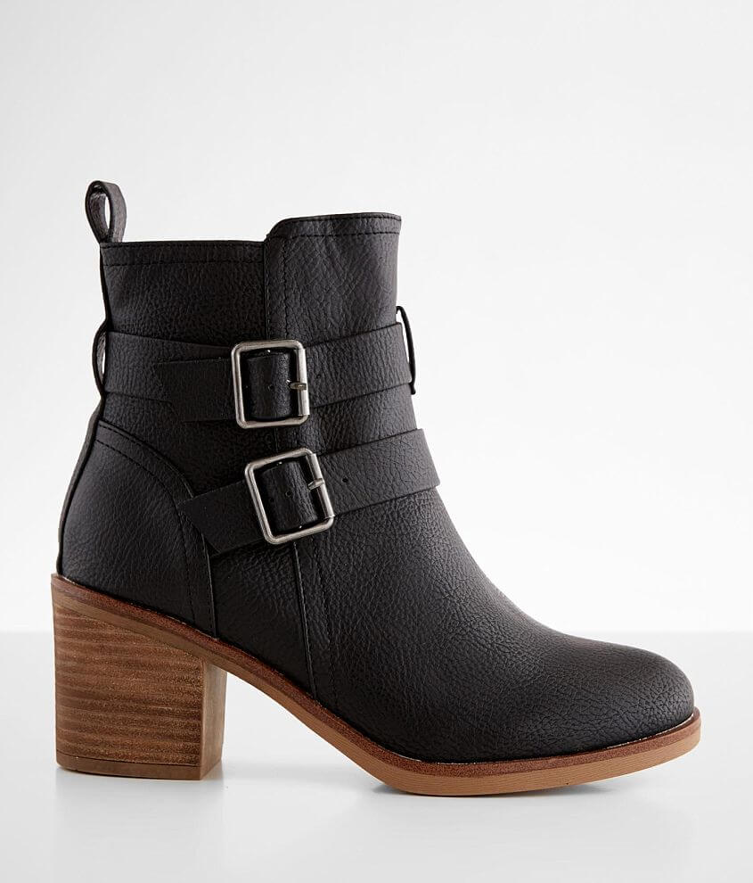 Strappy faux leather bootie Side zip detail Anatomically cushioned footbed 6 1/4\\\