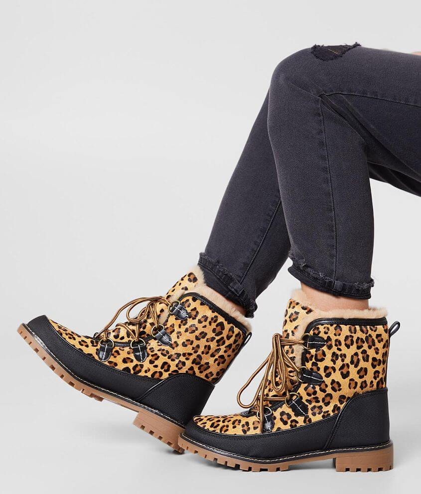 Printed fur pieced leather lace-up boot Faux fur lining Cushioned footbed 6 3/4\\\