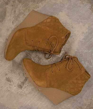 Mia Debra Shoe