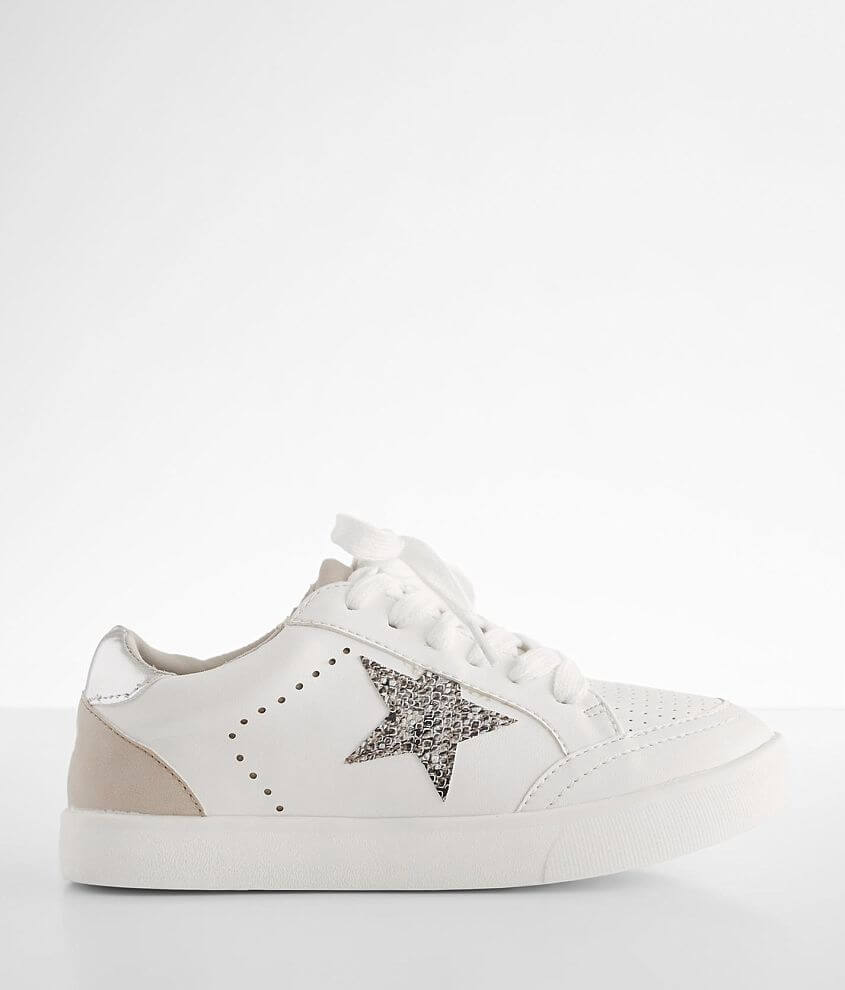 Faux leather lace-up sneaker Metallic collar Cushioned footbed