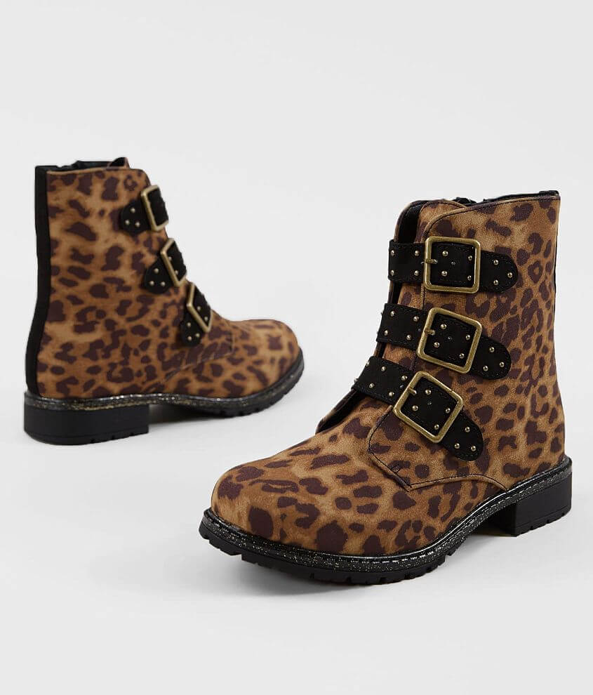 Cheetah print faux leather side zip boot Studded adjustable buckle straps Cushioned footbed 5 1/2\\\
