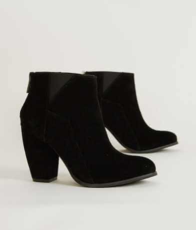 Michael Antonio Moo Shoe