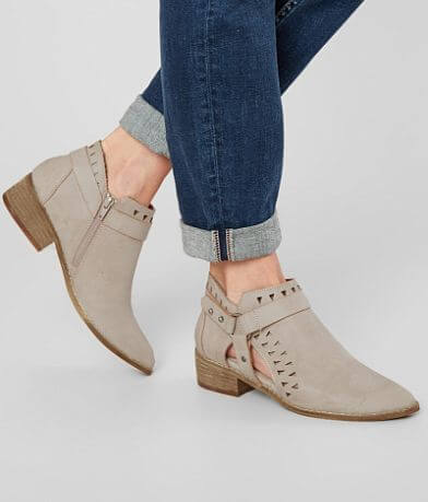 Mi.iM Cut-Out Ankle Boot
