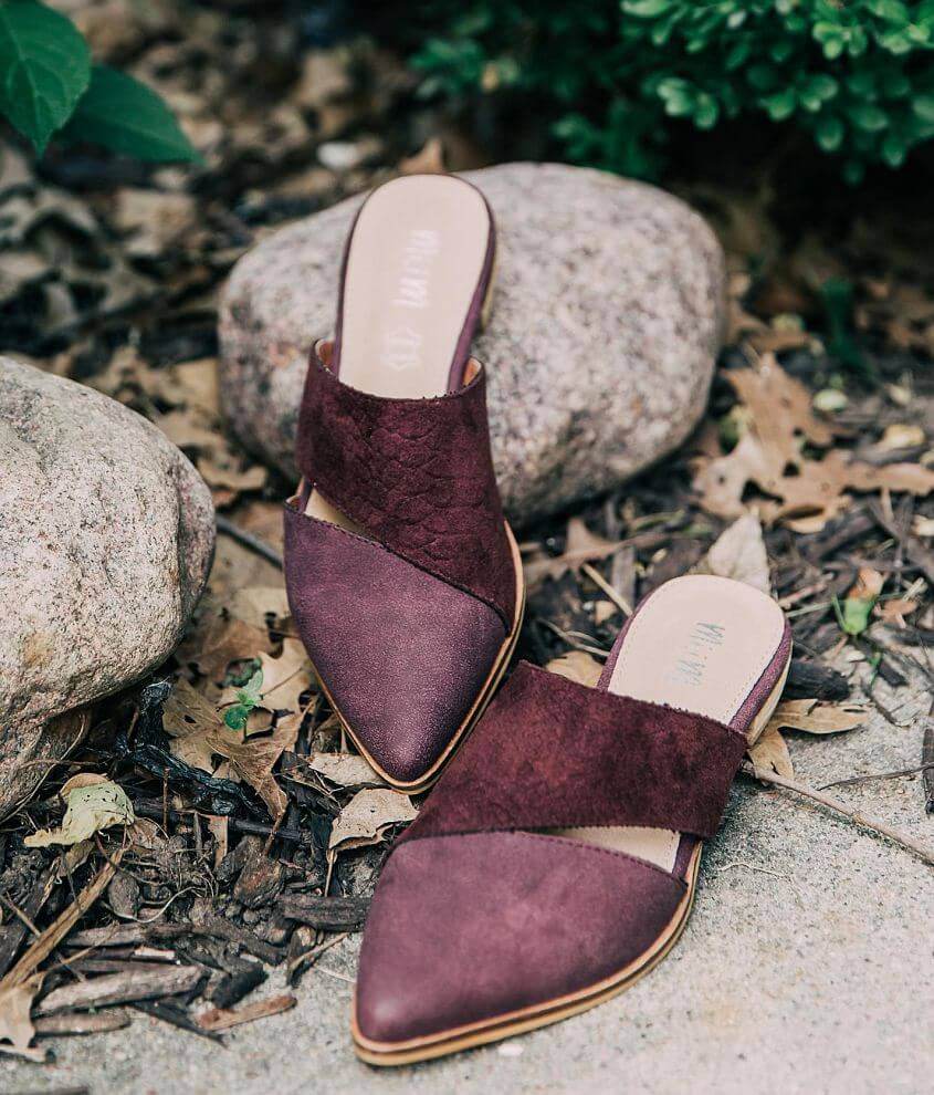 Style EPIC/Sku 947672 Shop All Brill Boutique Faux suede slip-on shoe Leather footbed