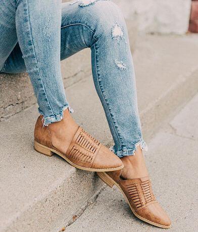 Mi.iM Freesia D'Orsay Shoe