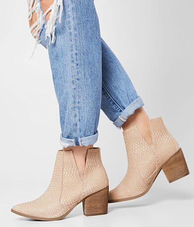 Not Rated Tarim V-Cut Heeled Ankle Boot